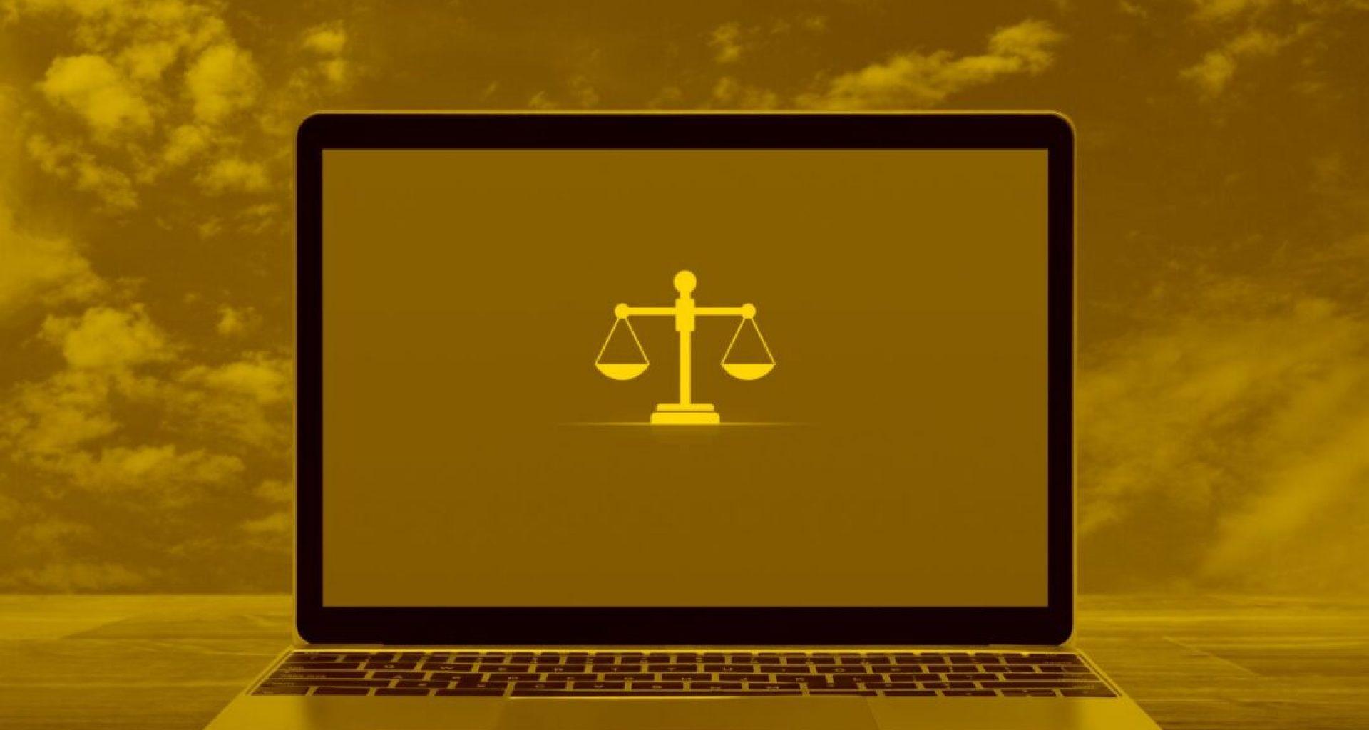 Gesetzte DSGVO auf einem Laptop in der cloud